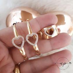 Anel largo com coração love cravejada folheado em ouro 18k
