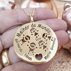 MANDALA DE CHAPA COM ATÉ 5 NOMES E OS BONEQUINHOS VAZADO FOLHEADA A OURO 18K