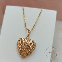 Colar relicário coração grande folheado em ouro 18k