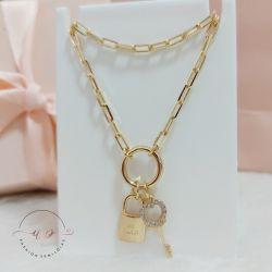 Colar de corrente cartier com cadeado e chave com zircônia folheado em ouro 18k